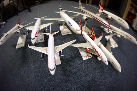 Model planes of the Oneworld alliance